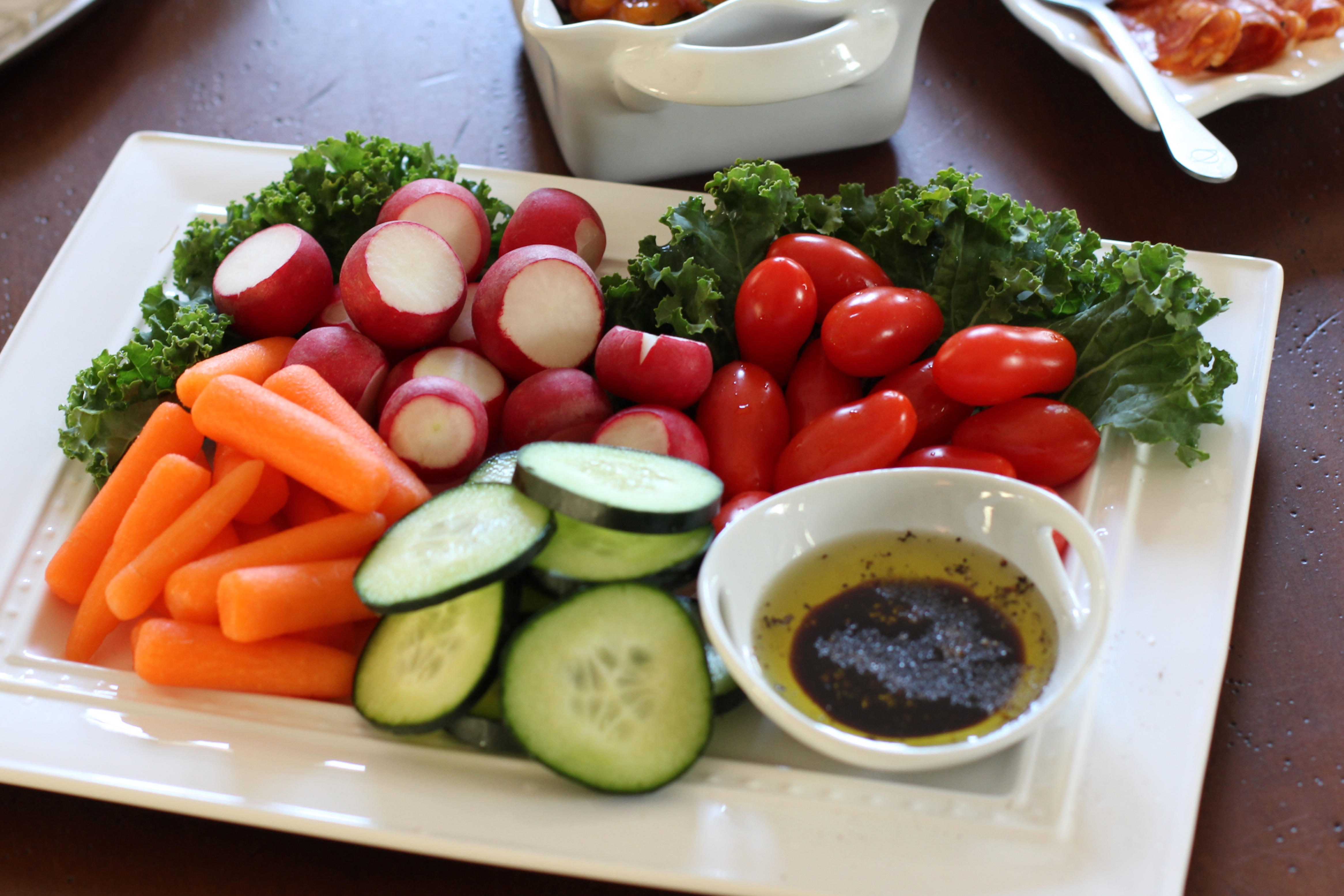 how to cut rockmelon for a platter